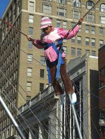 Wilmington_Renaissance_bungee_on11