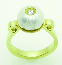 sayers_carved pearl with diamond_ring_jj11